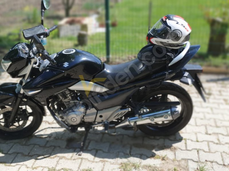 Taşıt\Motosiklet\Suzuki\GW250 Inazuma